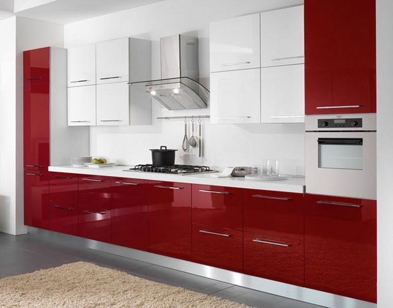 Глянцевая кухонная мебель и ее преимущества