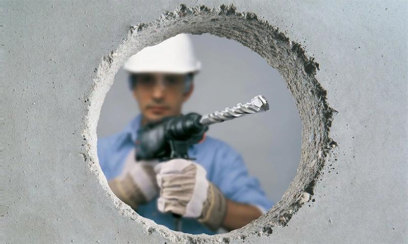 пробить дыру в стене